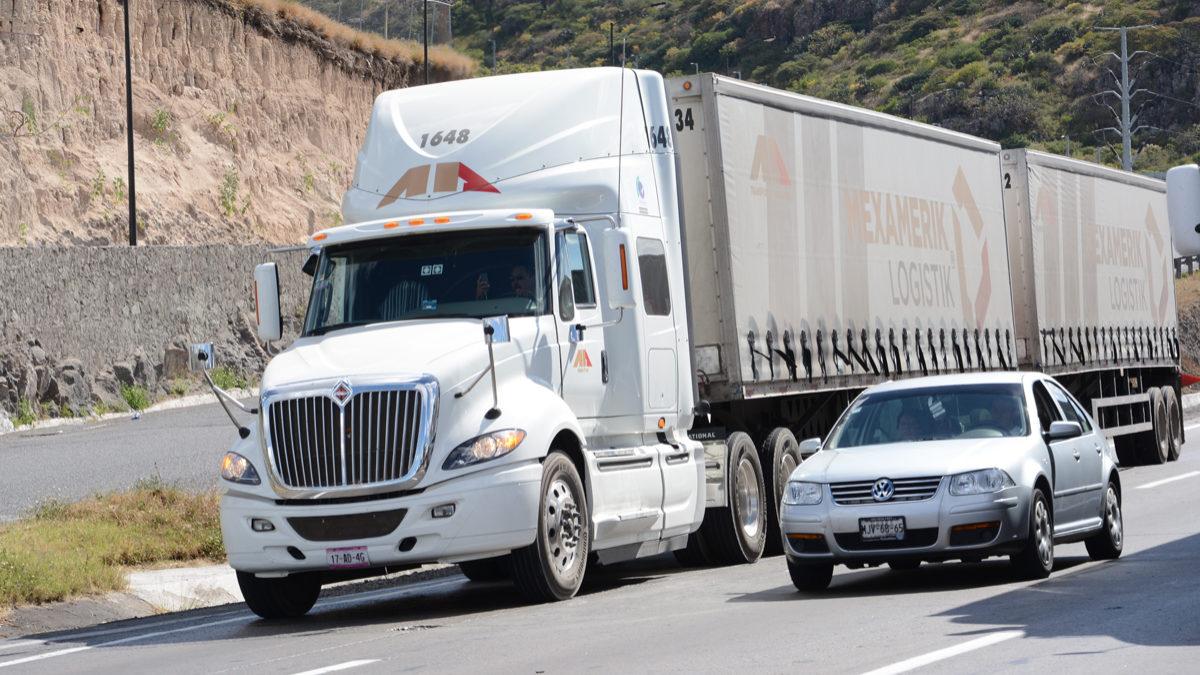 COVID 19 no frena al autotransporte de carga: CANACAR