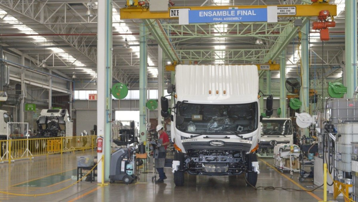 Clasifican a industria automotriz como actividad esencial