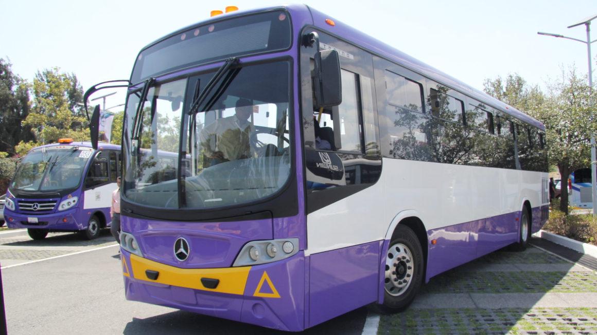 Ignoran pasajeros uso de cubrebocas en el transporte público