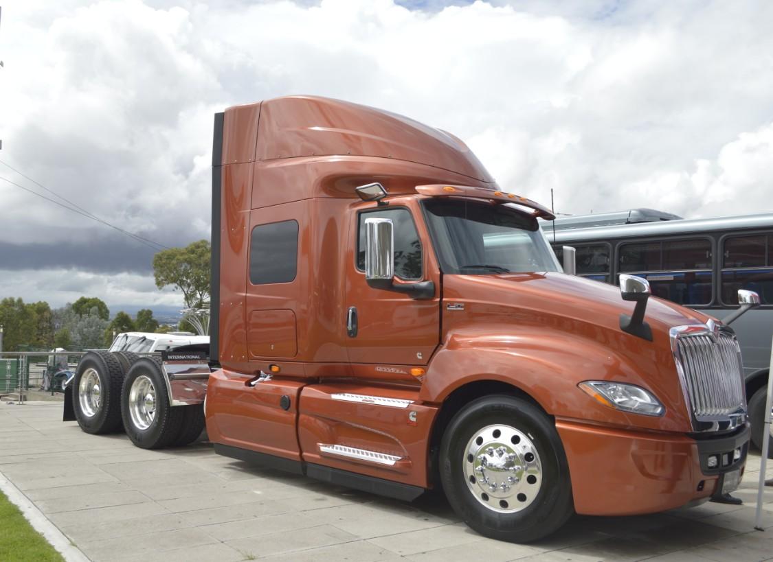 Caen primas de seguros de camiones durante primer semestre de 2020