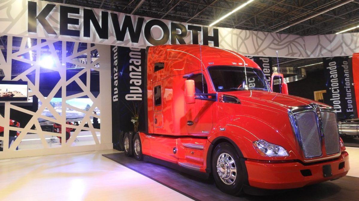 Promueve Kenworth formación de nuevos operadores