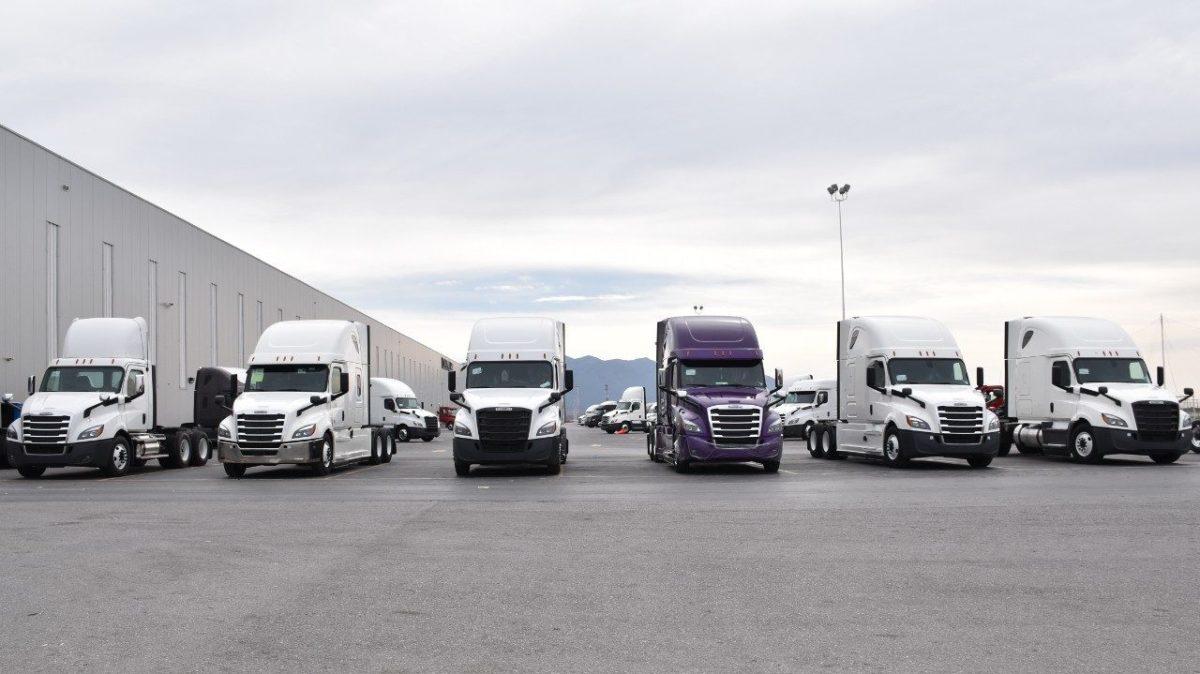 Daimler reactiva operaciones en nueve plantas de Norteamérica