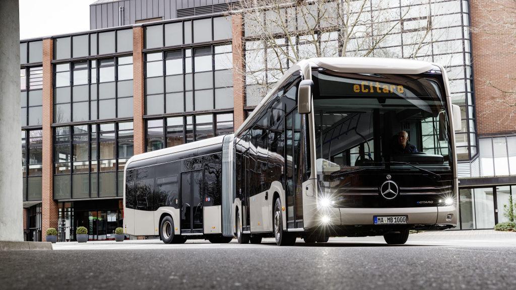 Daimler transforma la movilidad con bus eléctrico y articulado