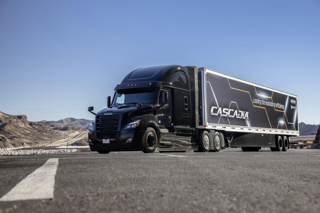 Contará Freightliner con Active Lane Assist para 2021