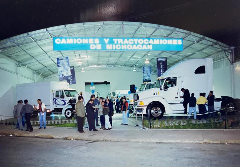 Celebra CATRAMI 20 años como distribuidor de Daimler Vehículos Comerciales México