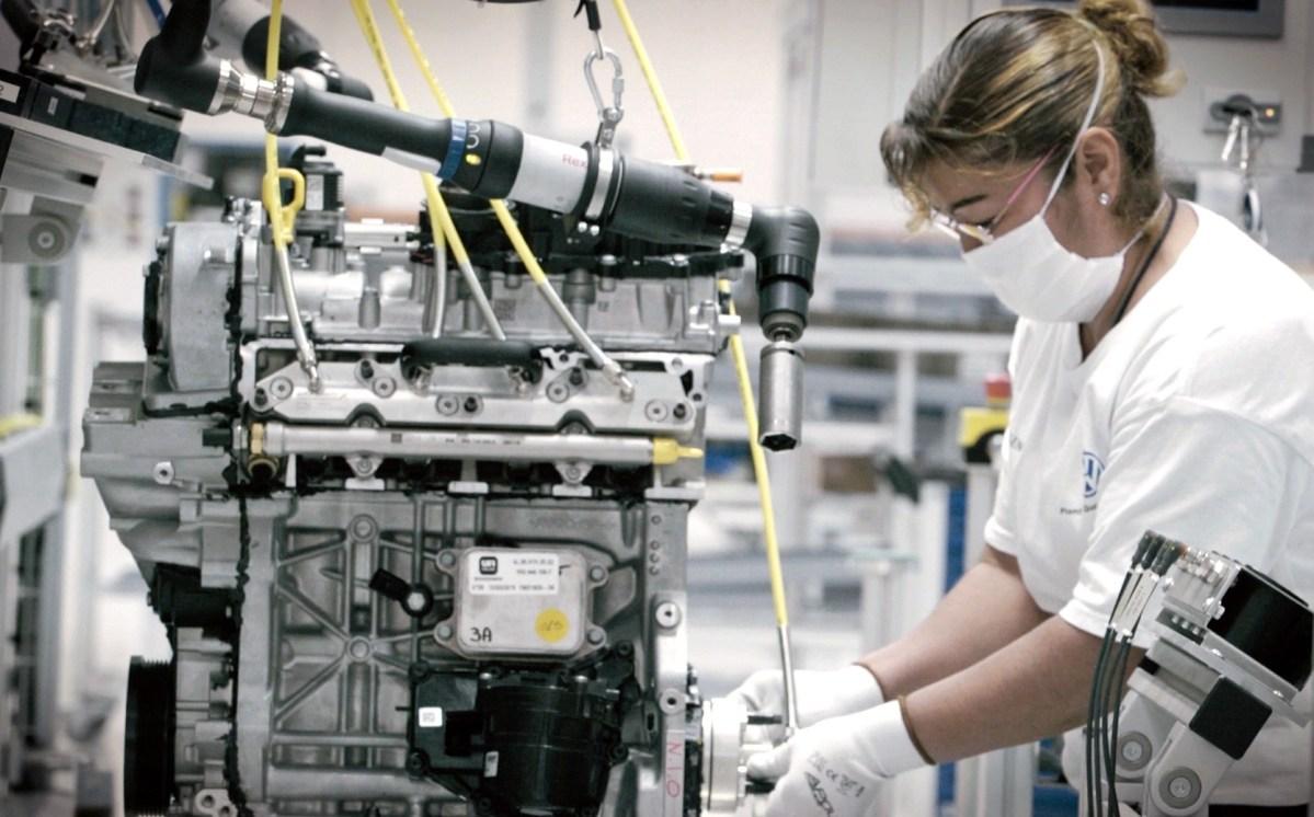 Solicita industria automotriz a AMLO garantizar abasto de gas natural y electricidad