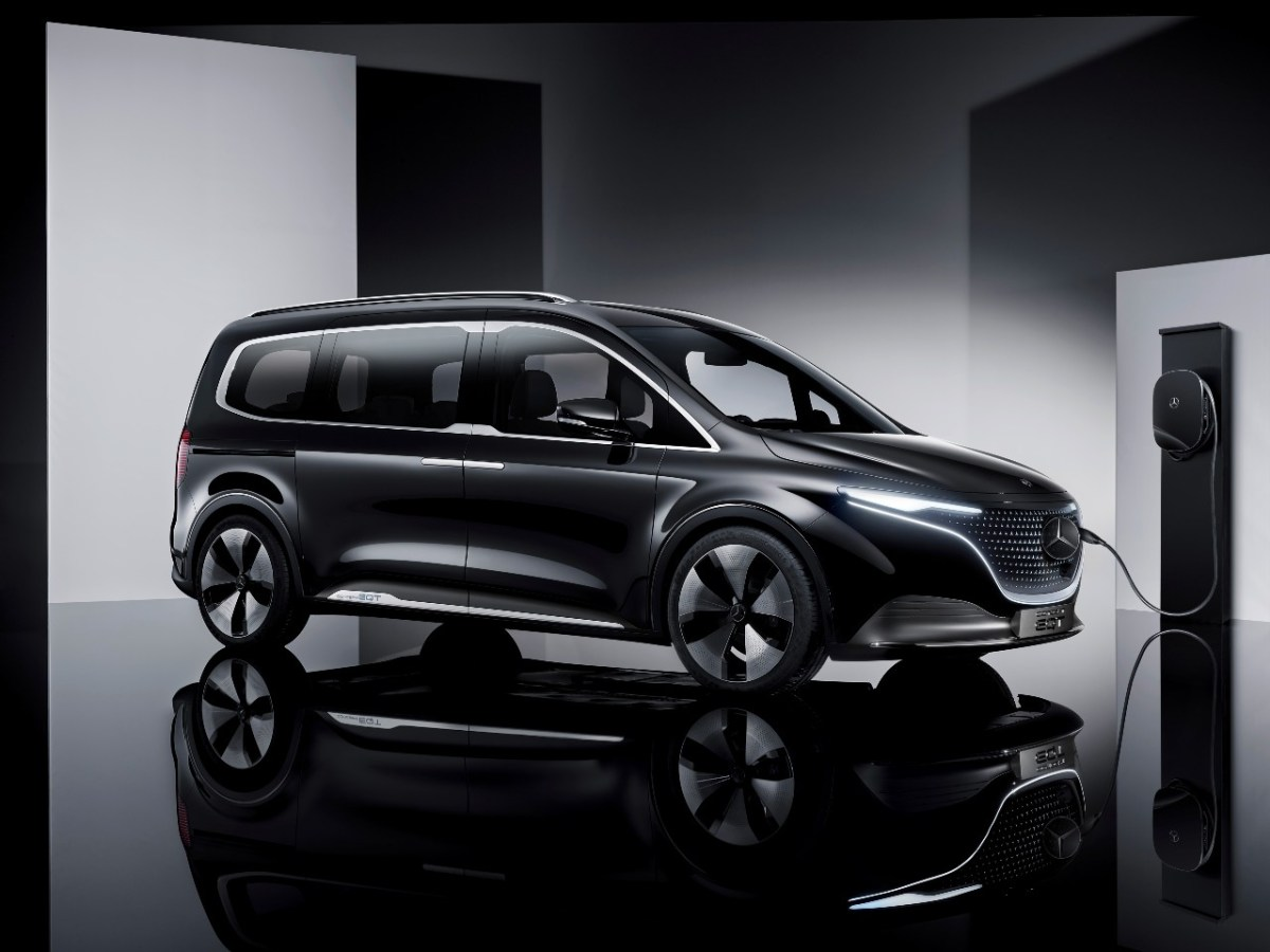 Mercedes-Benz acelera en la fabricación de vehículos sustentables