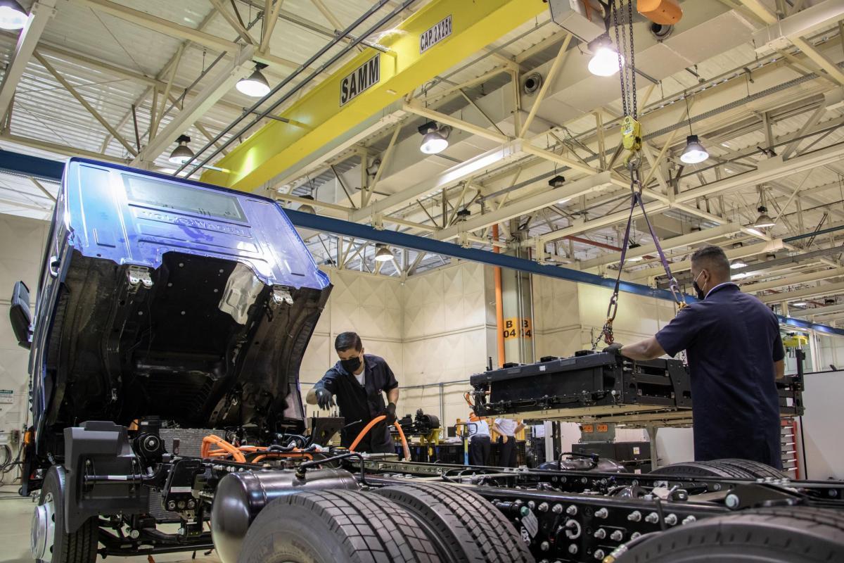 VW Camiones y Buses anuncia instalación de baterías en su planta para producción del e-Delivery