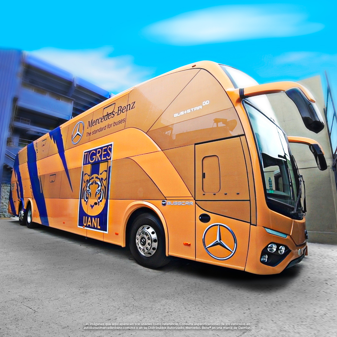 Entrega Mercedes-Benz autobús doble piso a los Tigres de la UANL