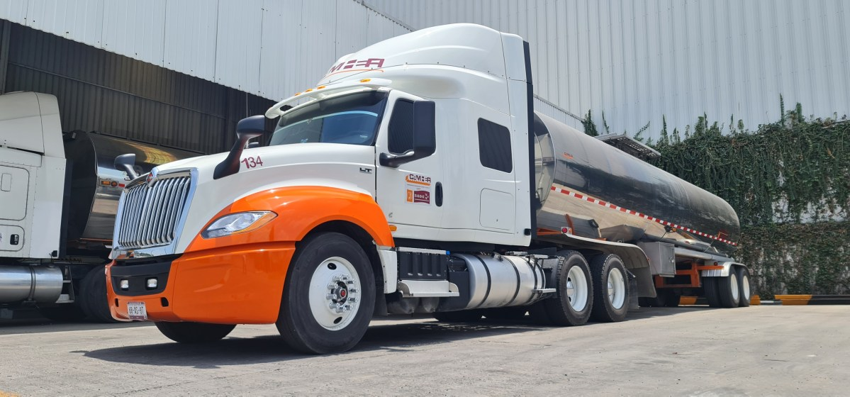 Navistar y Sierra Norte entregan 20 unidades a clientes de carga y pasaje
