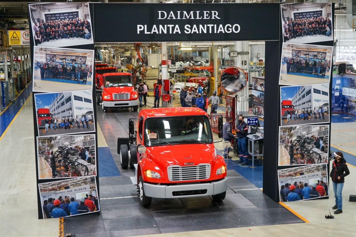 Celebra Daimler Trucks producción de unidad 600 mil en Planta Santiago