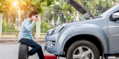Obowiązkowe wyposażenie samochodu – co zawsze powinieneś mieć w aucie?