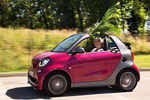 Der neue Smart Fortwo kommt nun auch als Cabrio mit E-Antrieb. Foto: Daimler