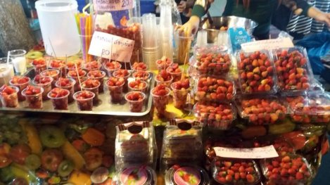 fraises, marché nocturne de Chiang Mai
