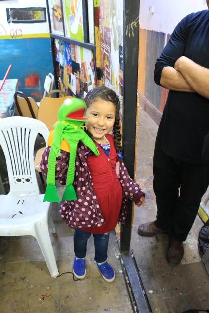 Fatima et Thiermit dans le Centre National des Arts de la Marionnette