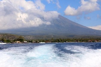 quittant Amed en speed boat (aie ça secoue) vers Gili Air