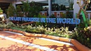 le sous-titre de Bali, ... ouais je ne partage pas cet avis L'autre ailleurs , voyager autrement. Voyager c'est aller vers un autre pays, une autre culture, un autre ailleurs. Le voyage ouvre l'esprit autant que le cœur, pour peu qu'on soit à l'écoute. Parce que le monde nous apprend tant sur lui et sur nous, lorsque nous le parcourons, j'aimerais partager ma modeste expérience et donner l'envie au lecteur de cet autre ailleurs. Thierry