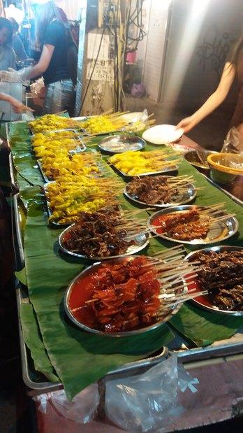 Brochettes variées - Street food (Thaïlande)