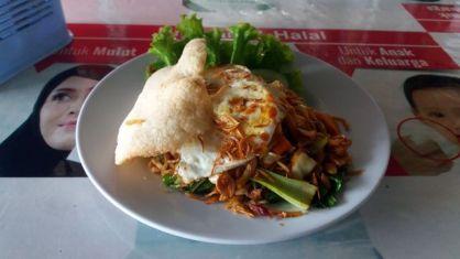 délicieux nasi goring au warung Pondok Pedas