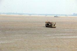 le fleuve Tonie Sap et très au loin le Mékong - L'autre ailleurs au Cambodge