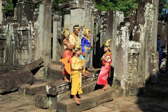 les temples d'Angkor - folklore pour touristes en mal de photo selfie - le Bayon