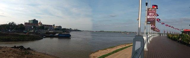 promenade le long du fleuve