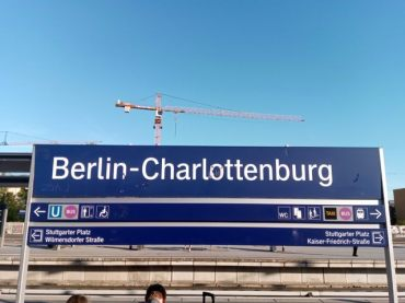 La station de train/métro proche de mon hôtel (http://www.autre-ailleurs.fr)