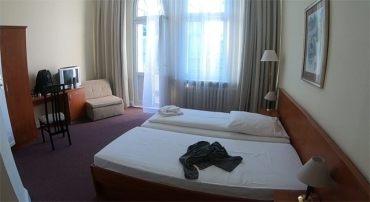 Ma chambre d'hôtel dans Olivaer Apart Hotel (http://www.autre-ailleurs.fr)