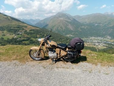 Pause (moto road trip)