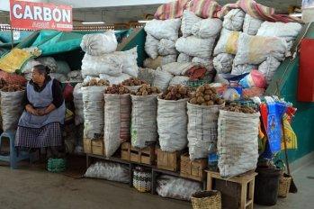 dans le marché d'Otavalo - l'autre ailleurs, une autre idée du voyage