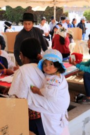 élection du président du cimetière d'Otavalo - l'autre ailleurs, une autre idée du voyage