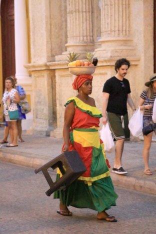 folklore pour touristes adepte d'exotisme caribéen à Carthagène des Indes - l'autre ailleurs en Colombie, une autre idée du voyage