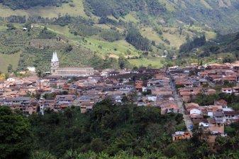 vue depuis La Garrucha, petite télécabine à Jardin - l'autre ailleurs en Colombie, une autre idée du voyage
