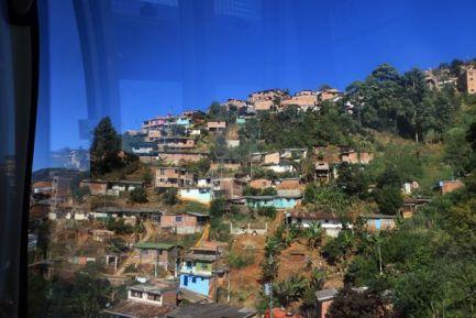 direction le parc Arvi de Medellín en téléphérique - l'autre ailleurs en Colombie, une autre idée du voyage
