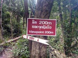 chemin pour accéder au point de vue sur la ville de Nong Khiaw - l'autre ailleurs, une autre idée du voyage