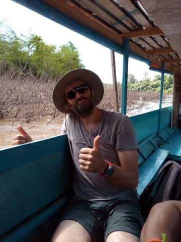 en bateau sur le fleuve Nam Ou à Nong Khiaw - l'autre ailleurs, une autre idée du voyage