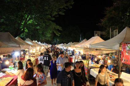Night market le soir à Chiang Rai - l'autre ailleurs, une autre idée du voyage