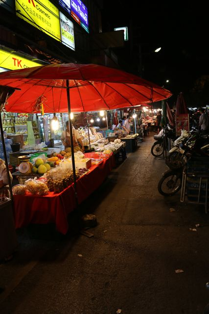 Nights market à Chiang Mai - l'autre ailleurs, une autre idée du voyage