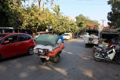Près du marché de Jade à Mandalay - l'autre ailleurs au Myanmar (Birmanie) et Thaïlande, une autre idée du voyage