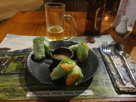 l'entrée pour mon dîner de Noël au restaurant The Black Bamboo à Bagan - l'autre ailleurs au Myanmar (Birmanie) et Thaïlande, une autre idée du voyage