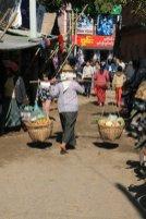 marché dans le quartier de Nyaung Oo à Bagan - l'autre ailleurs au Myanmar (Birmanie) et Thaïlande, une autre idée du voyage