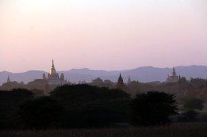 coucher du soleil sur les temples de Bagan - l'autre ailleurs au Myanmar (Birmanie) et Thaïlande, une autre idée du voyage