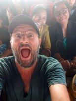 dans le bus qui fait le trajet du site de Golden Rock à Kin Pun - l'autre ailleurs au Myanmar (Birmanie) et Thaïlande, une autre idée du voyage