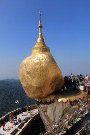 le fameux rocher d'or (Golden Rock) au Myanmar - l'autre ailleurs au Myanmar (Birmanie) et Thaïlande, une autre idée du voyage