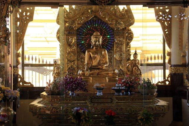 Kuthodaw Pagoda à Mandalay - l'autre ailleurs au Myanmar (Birmanie) et Thaïlande, une autre idée du voyage