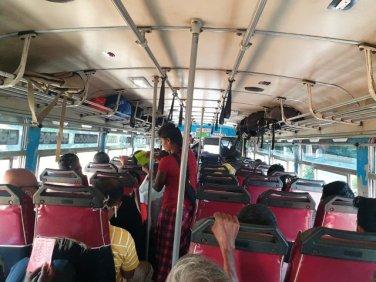 Dans le bus vers Polonnaruwa - l'autre ailleurs au Sri-Lanka, une autre idée du voyage