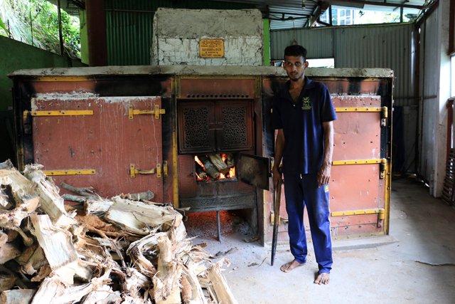 le four qui permet de séchage du thé dans l'usine de thé, Kadugannawa/Geragama, tout près de Kandy - l'autre ailleurs au Sri-Lanka, une autre idée du voyage