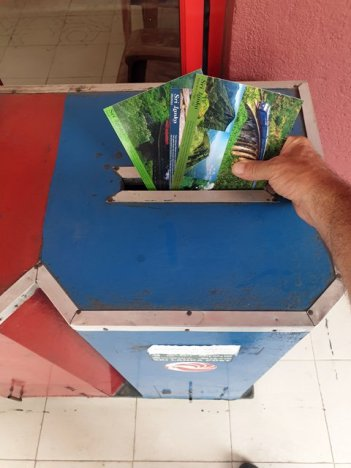 elles sont parties les cartes postales, à Ella - l'autre ailleurs au Sri-Lanka, une autre idée du voyage