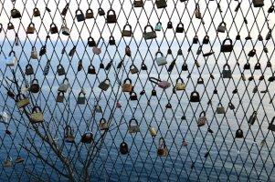 l'Adriatique et l'amour cadenassé vu depuis Dubrovnik - l'autre ailleurs en Croatie, une autre idée du voyage
