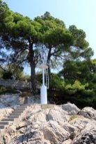 au bas des marches mon plongeon dans la mer à Cavtat - l'autre ailleurs en Croatie, une autre idée du voyage